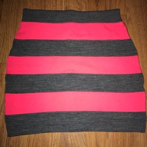Forever 21 fitted pencil skirt